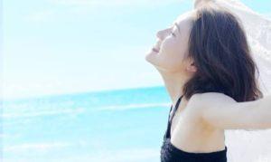 女性 夏 快適 海